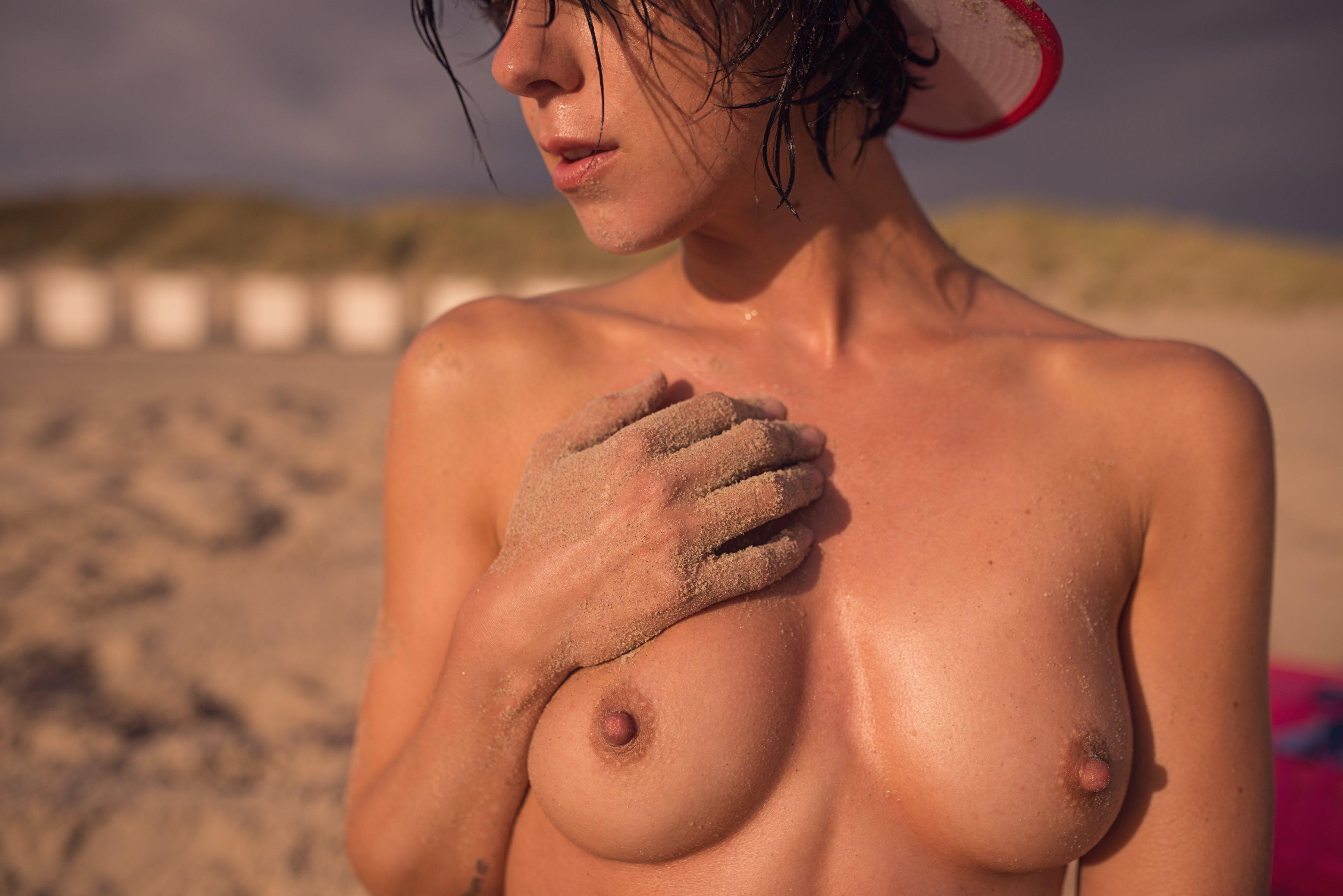 Franzi-Skamet-Nude-13