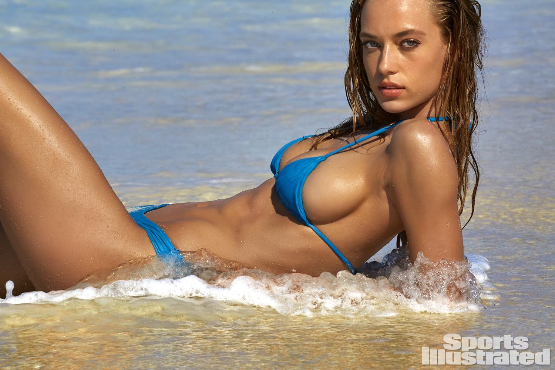 Hannah-Ferguson-Sexy-17