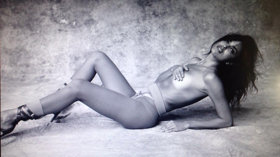 Irina-Shayk-Topless-2