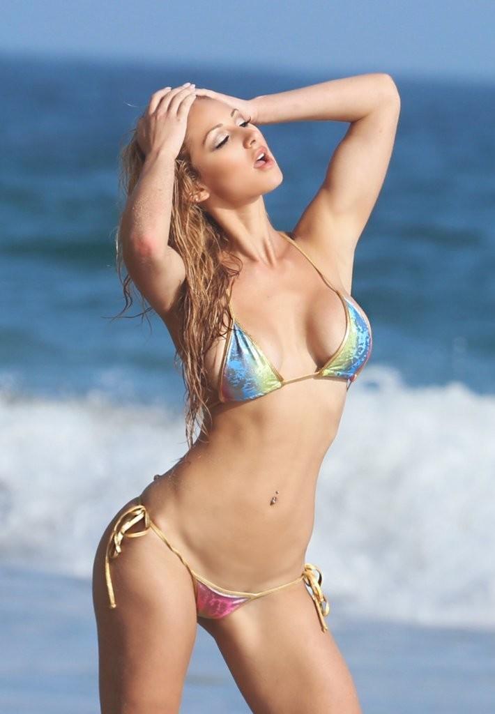 Jessica-Melody-in-a-Bikini-6