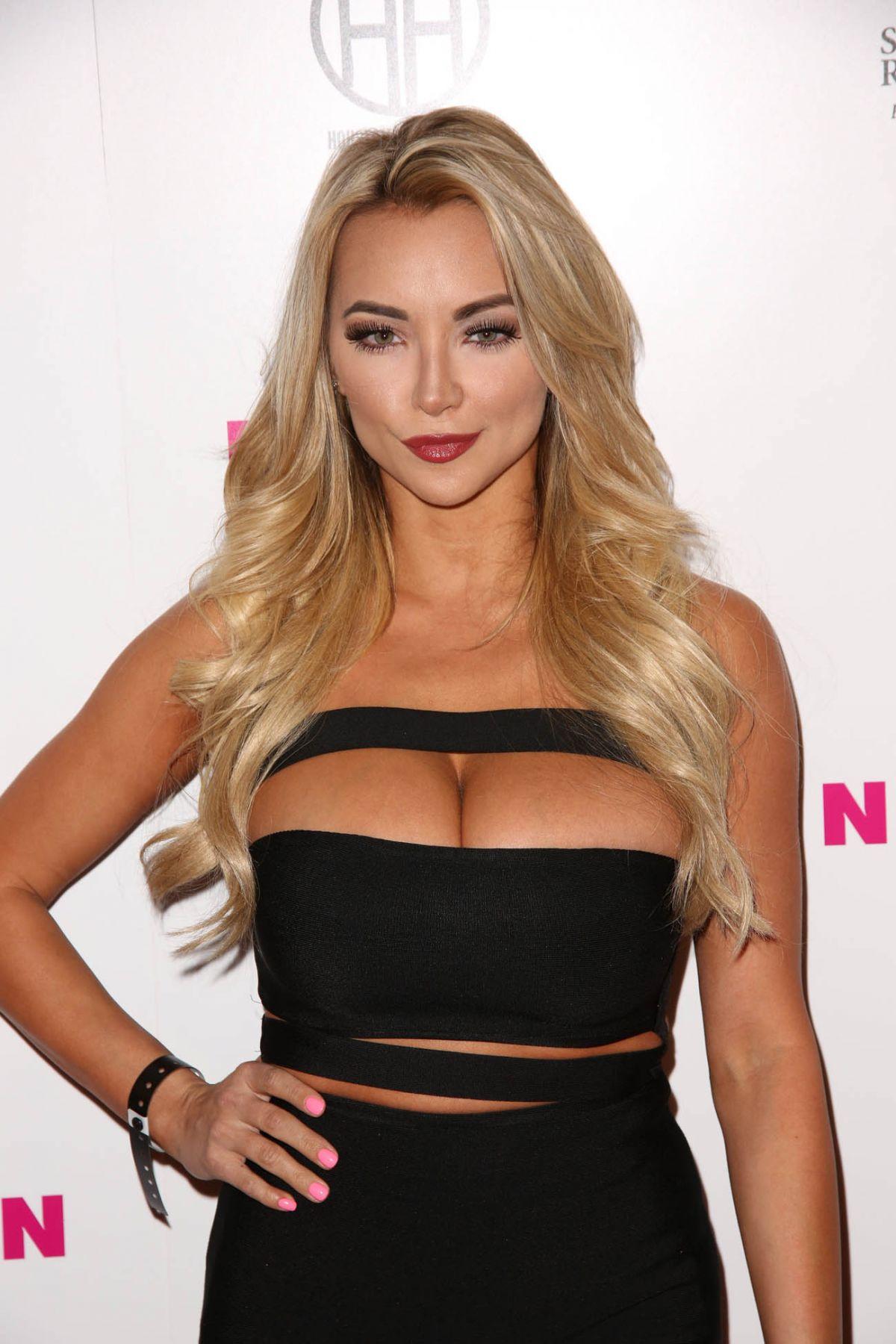 Lindsey-Pelas-Sexy-4