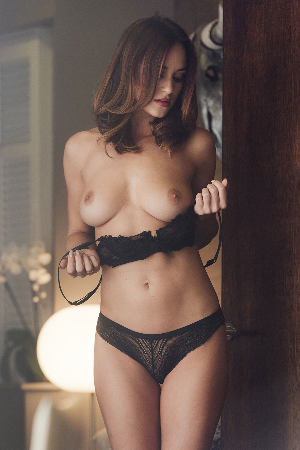 Rosie-Jones-Sexy-Topless-14