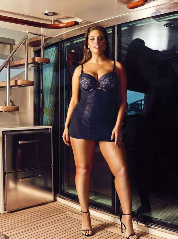 Ashley-Graham-Sexy-3