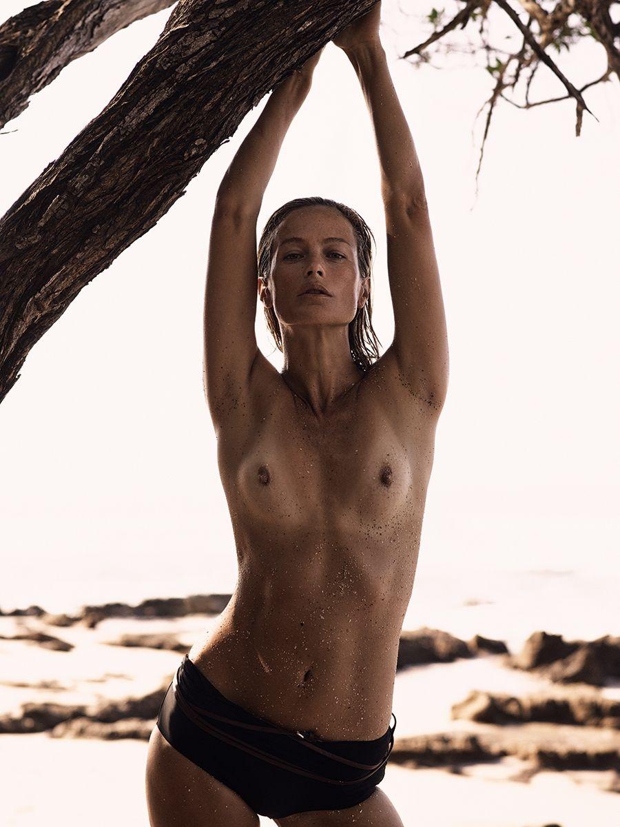 Carolyn-Murphy-Topless-Sexy18
