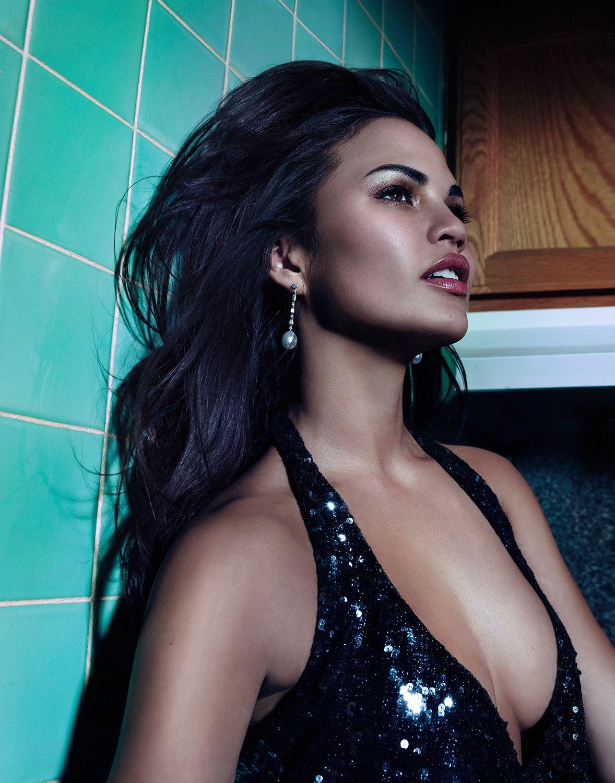 Chrissy-Teigen-Sexy-Topless-3