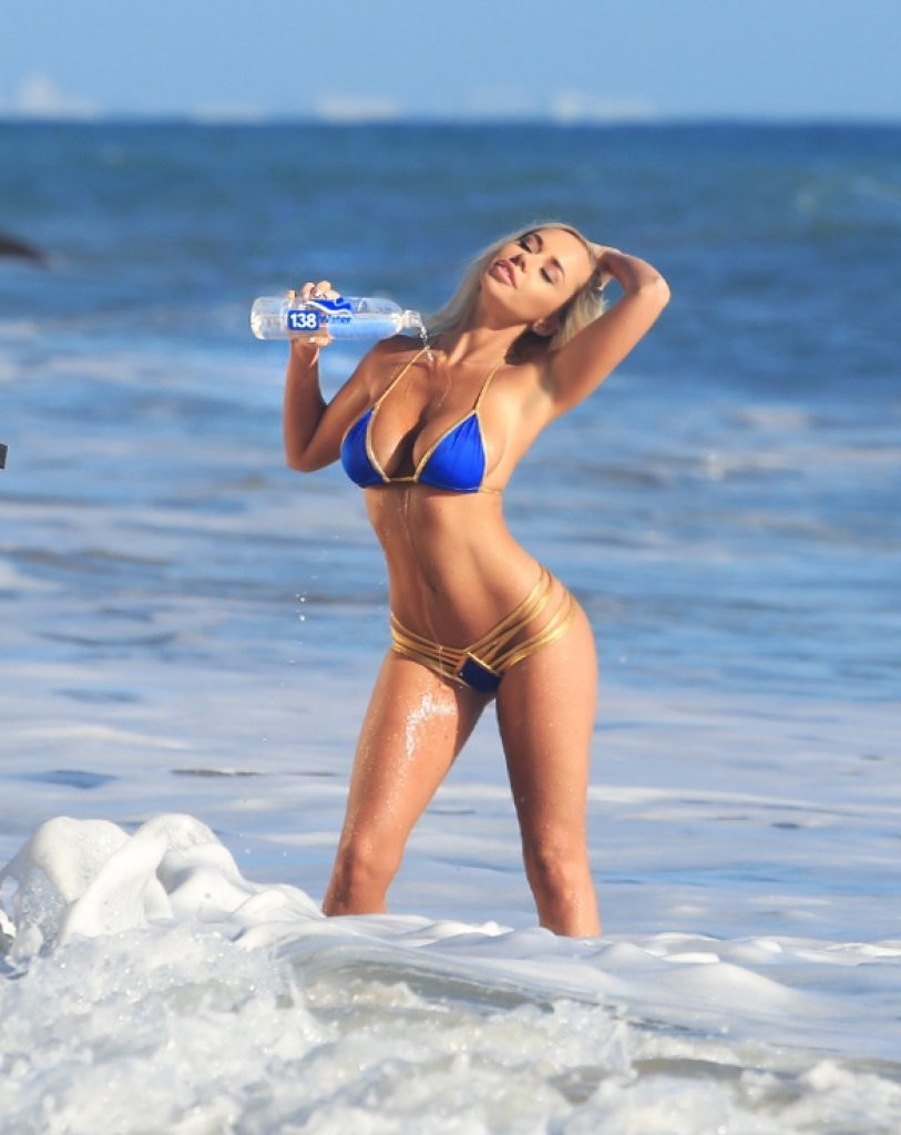 Claudia-Fijal-in-a-Bikini-9