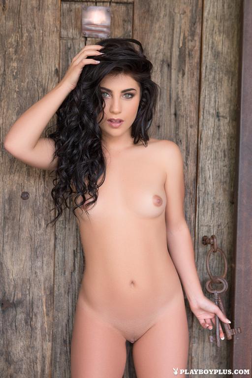 Elle Georgia – Lush Beauty (1)