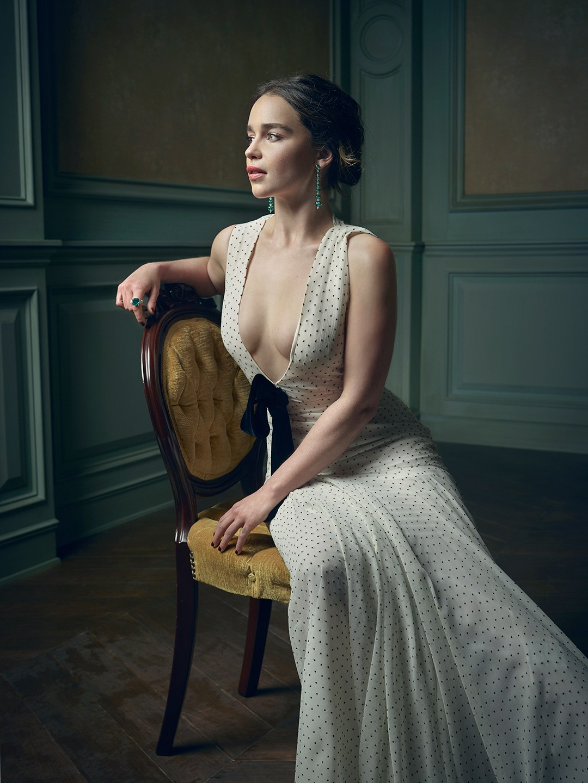 Emilia-Clarke-Sexy