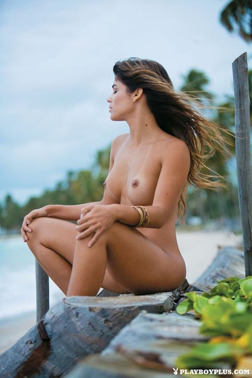 Kelly-Amorim-in-Playboy-Brazil701_full