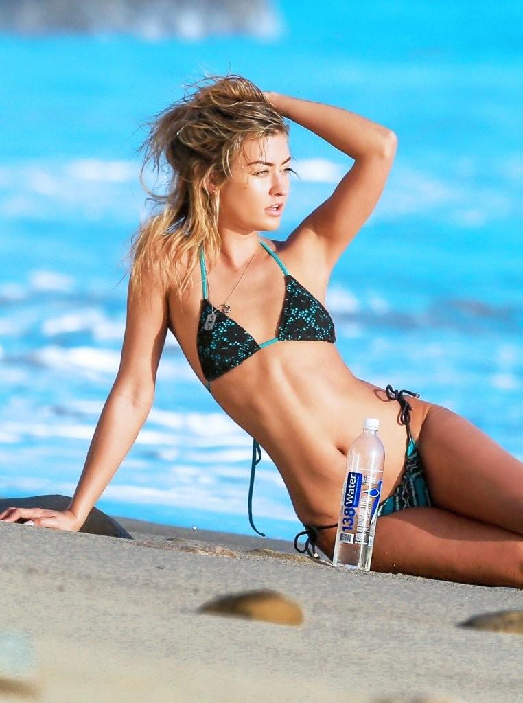 Miss-Illya-in-a-Bikini-12