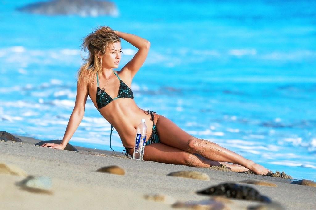 Miss-Illya-in-a-Bikini-13