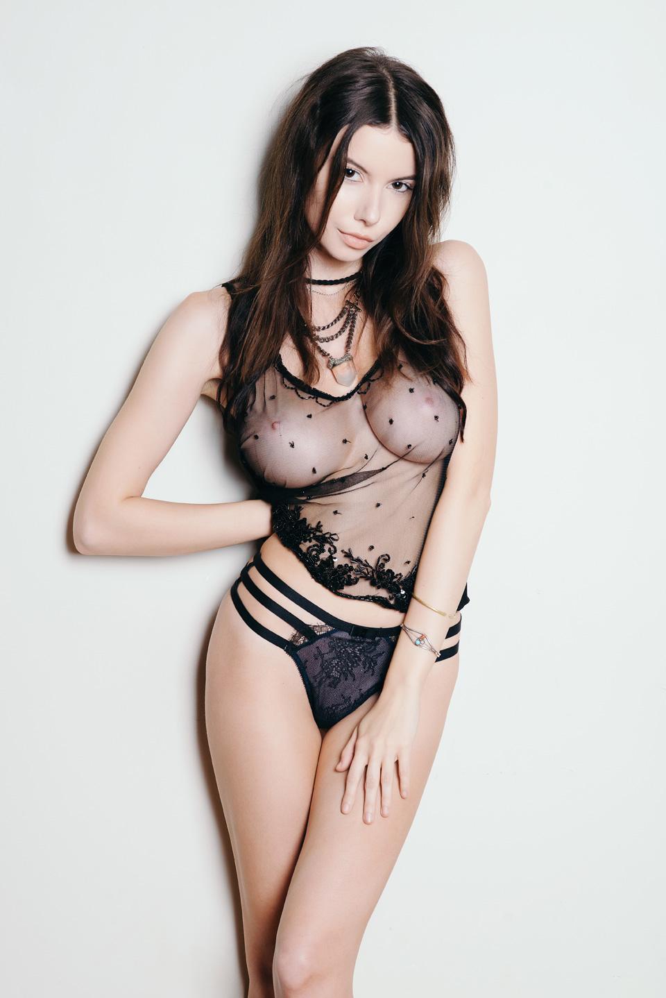 Alicia coppola nude casually
