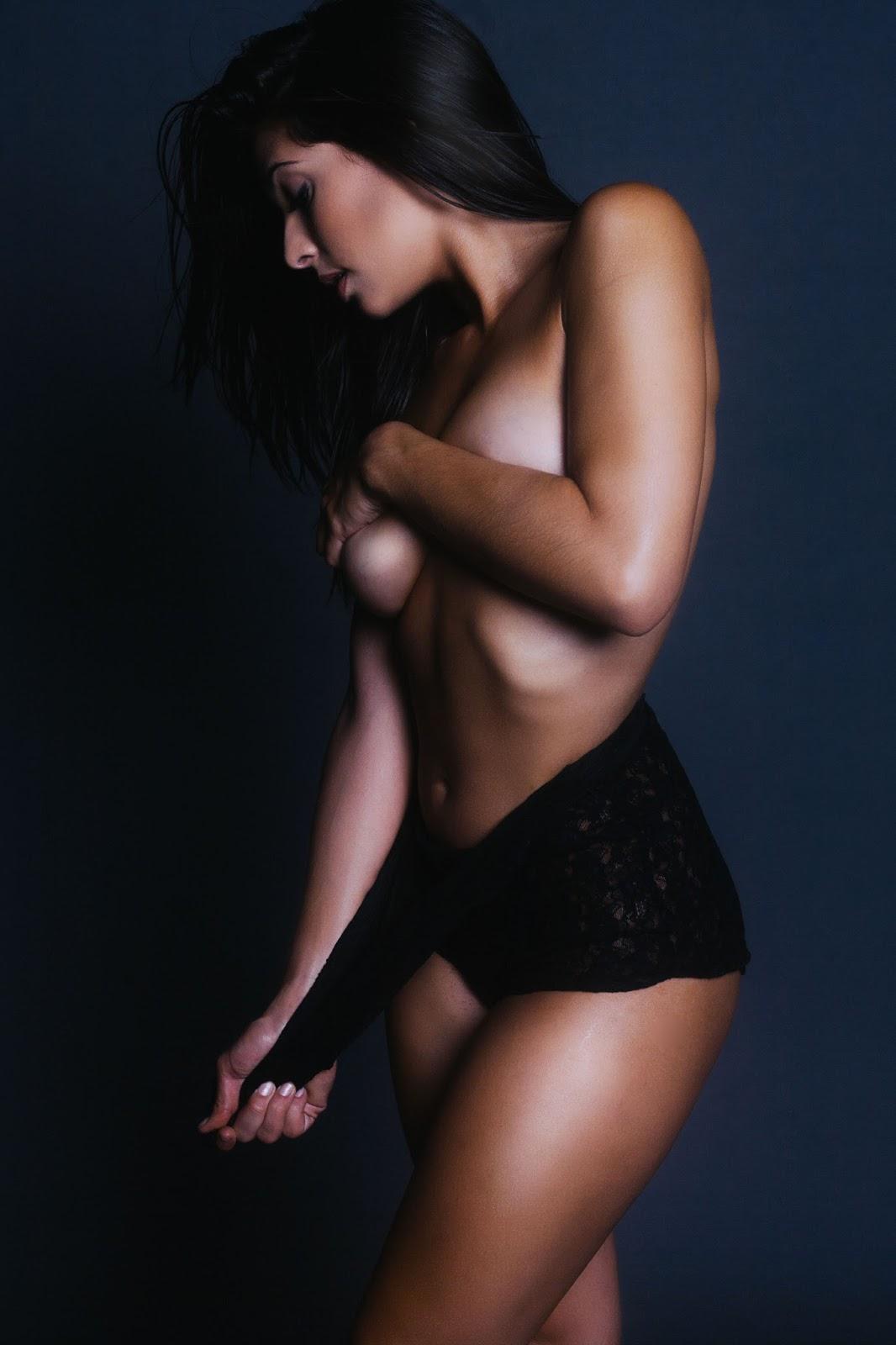 Camila Banus sexy (6)