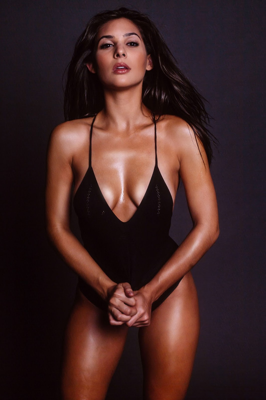 Camila Banus sexy (7)