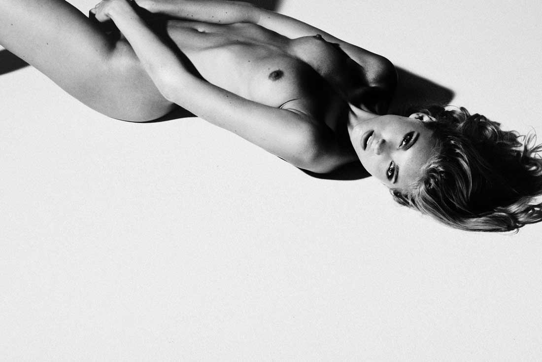 Elsa Hosk Topless - New B&W Photo new foto