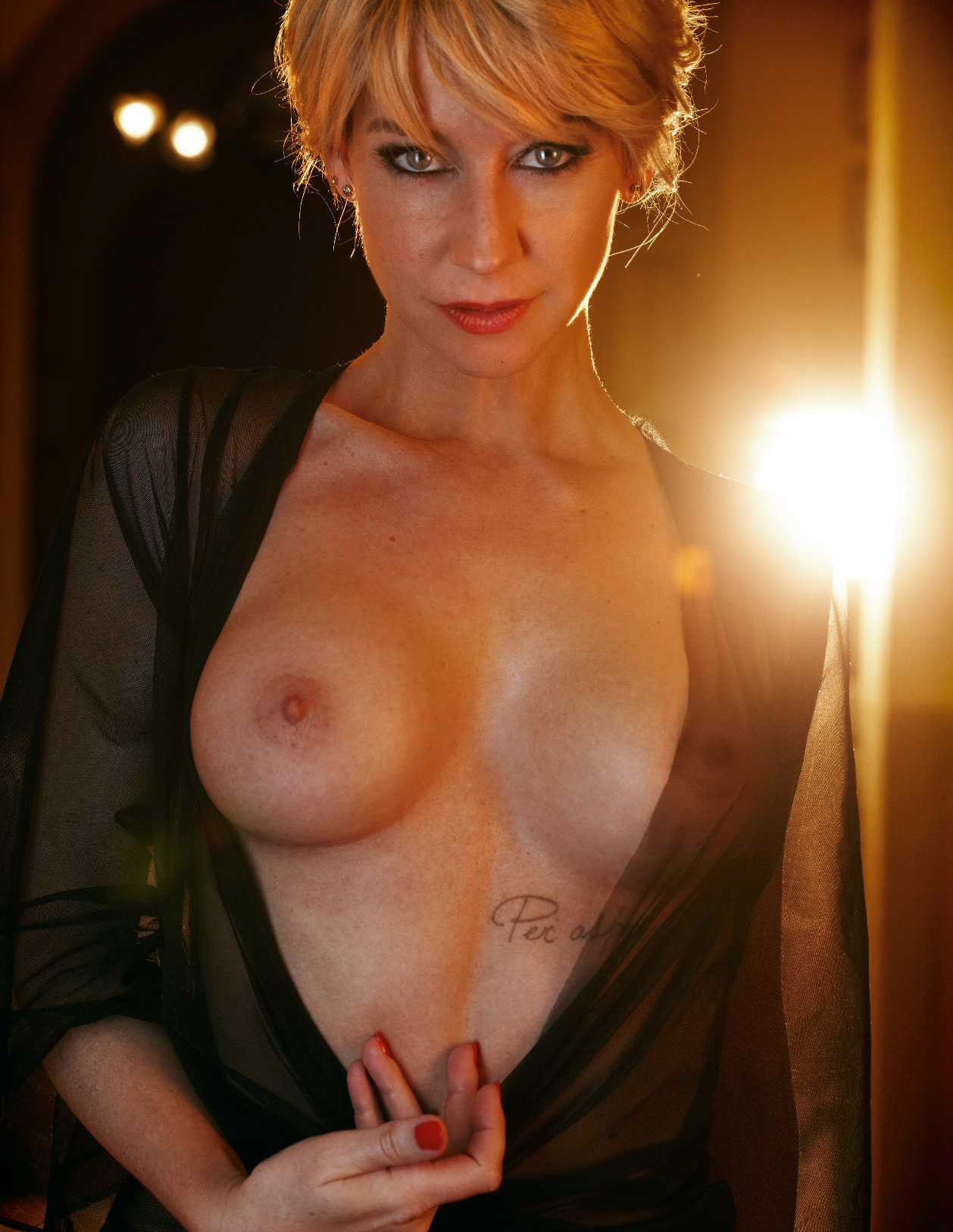 German lauren naked, momhardsex