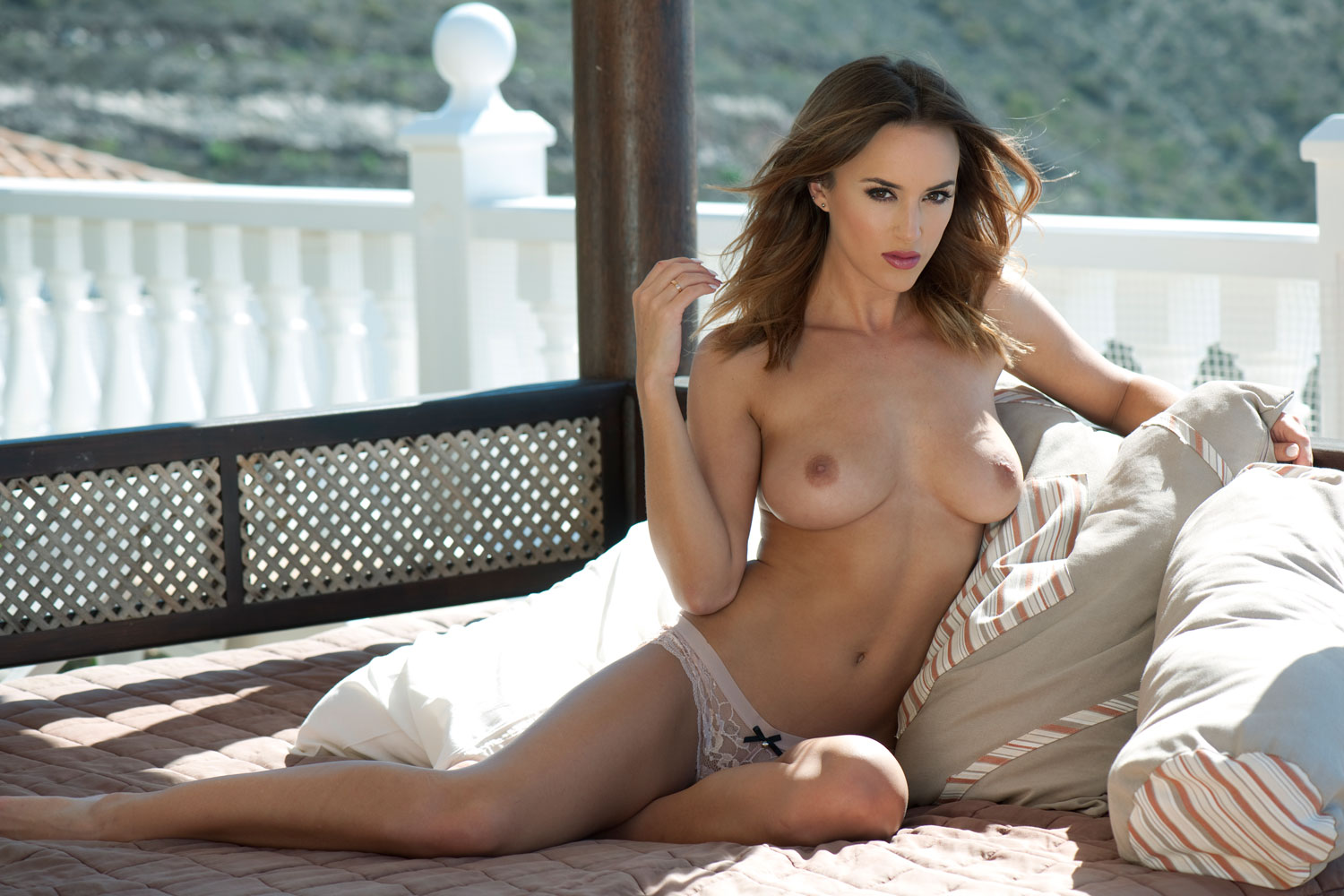 Rosie-Jones-Topless-3 (2)