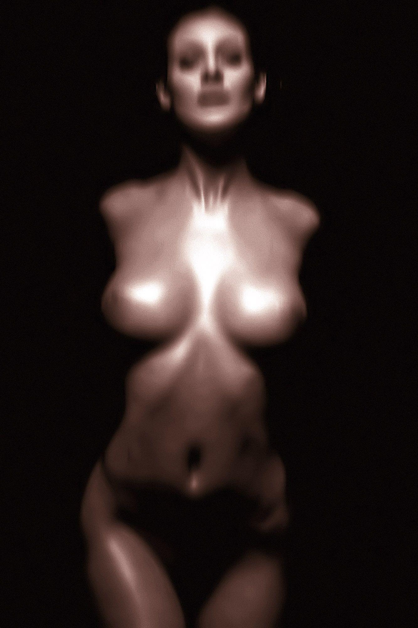 Nude model dump