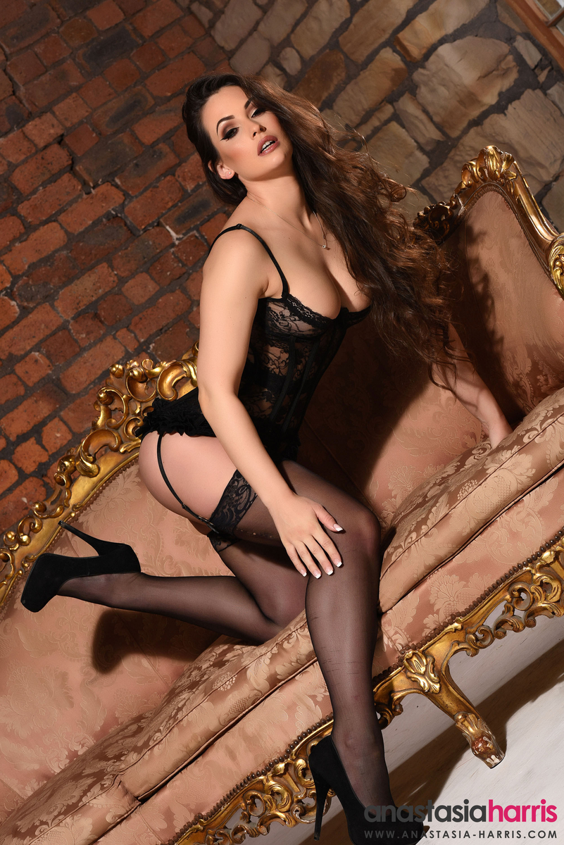 Anastasia Harris topless (6)