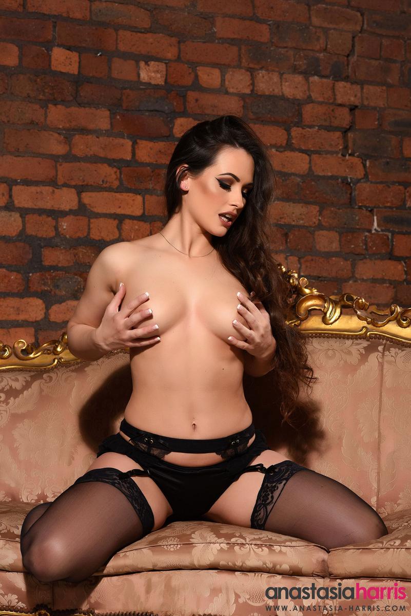 Anastasia Harris topless (8)