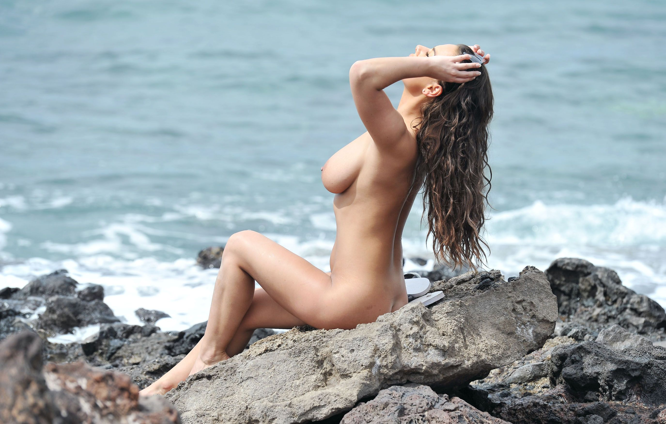 Chantelle-Connelly-Nude-10