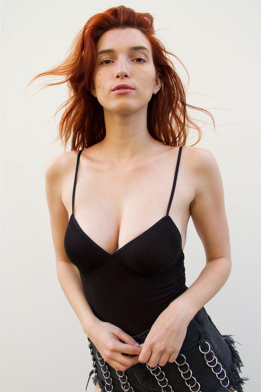 Dani-Thorne-Sexy-Photos-8