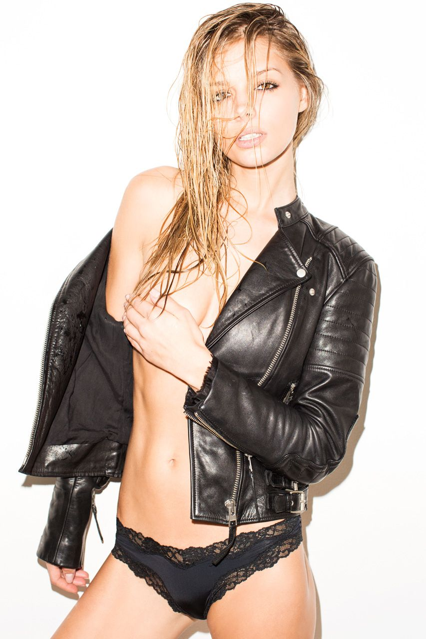 Courtnie Quinlan Topless Photos - #TheFappening