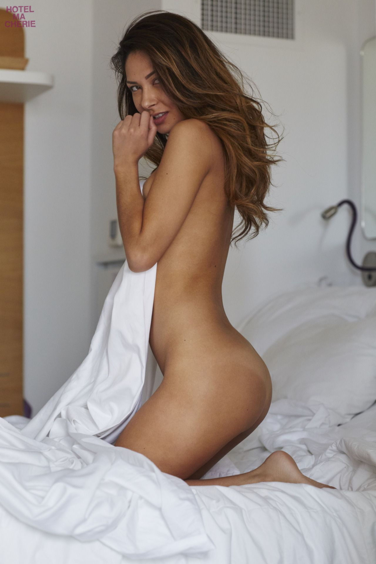 sara gilbert naked porn