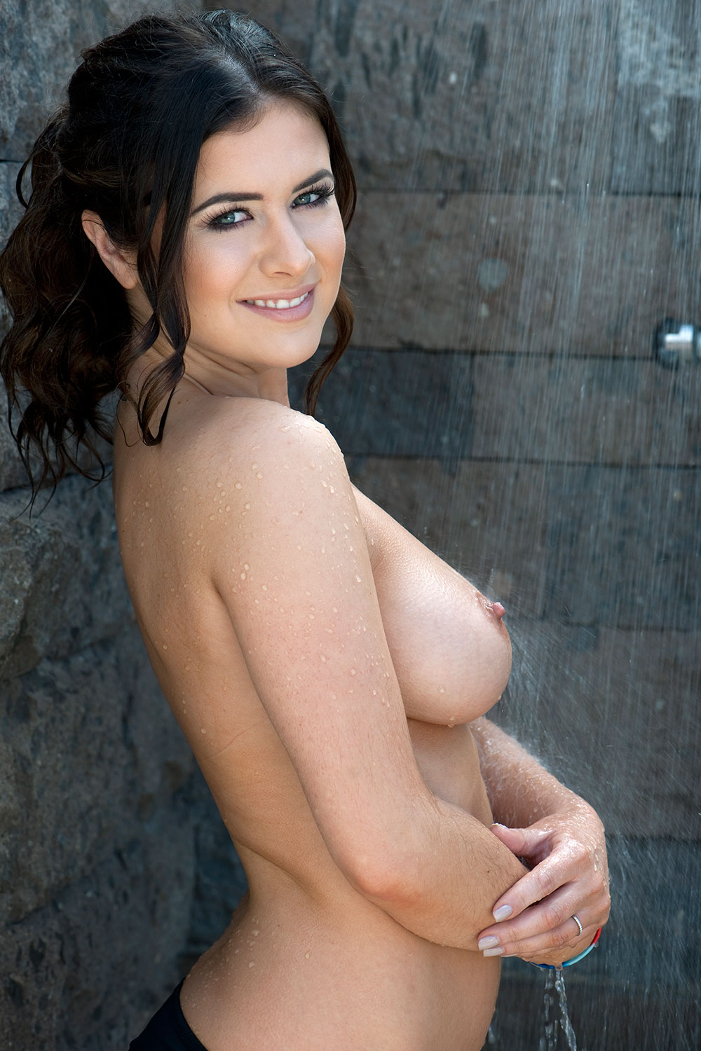 Kelly-Hall-Sexy-Topless-Page-3-1