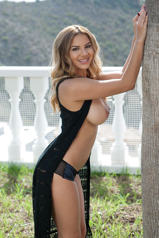 Lacey-Banghard-Topless-Photos-3
