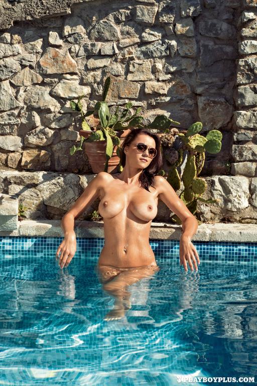 Manja-Dobrilovic-in-Playboy-Slovenia799_full