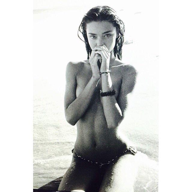 Miranda-Kerr-Topless-3