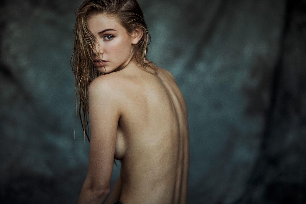 Scarlett alice johnson topless