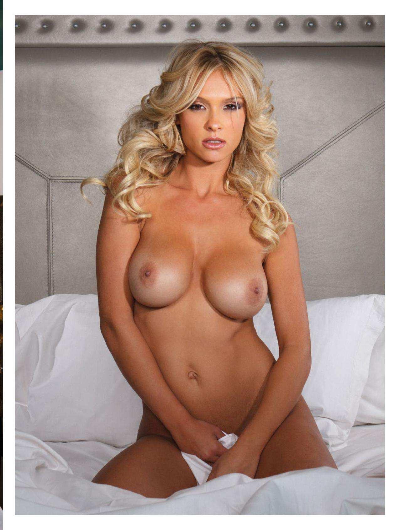 monique naked pics