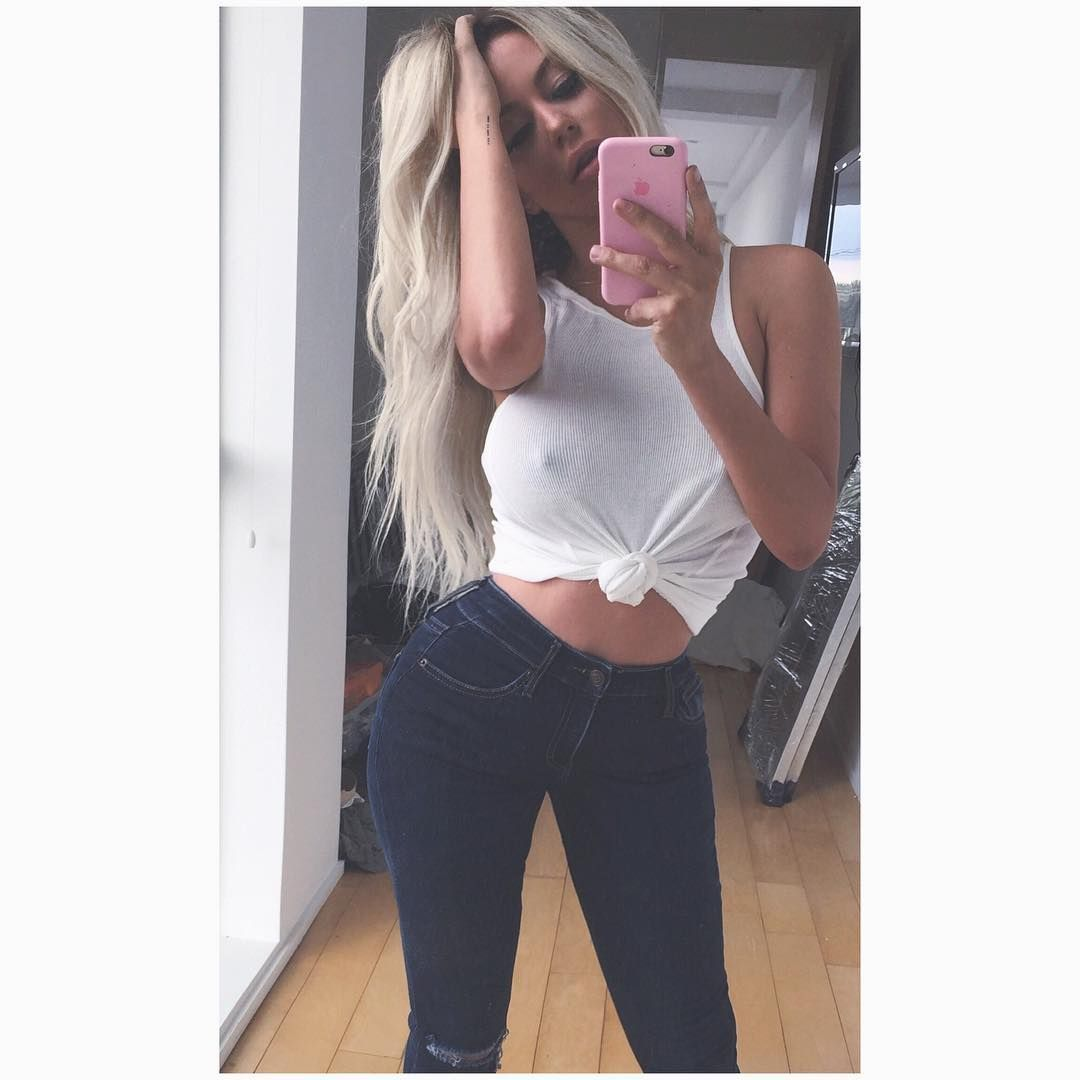 aubrey-oday-selfies-5 (1)