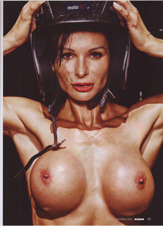 Anita Szymczak topless – CKM Poland – June 2016 (8)