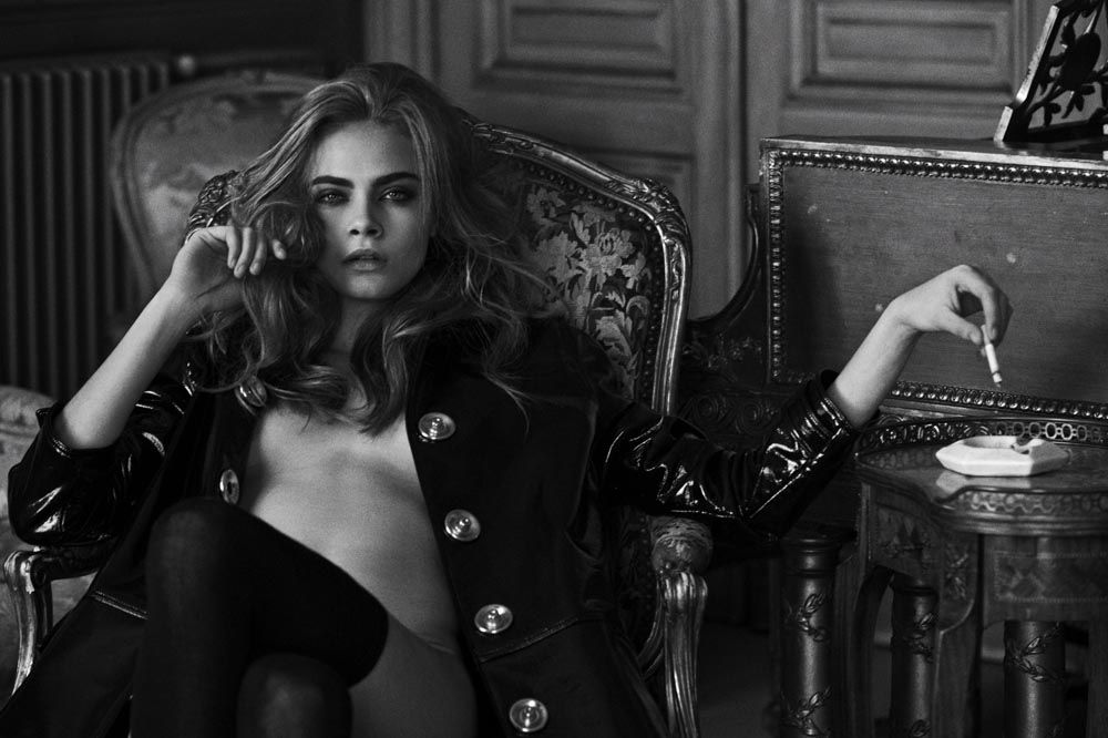 Cara-Delevingne-Topless-Sexy-8
