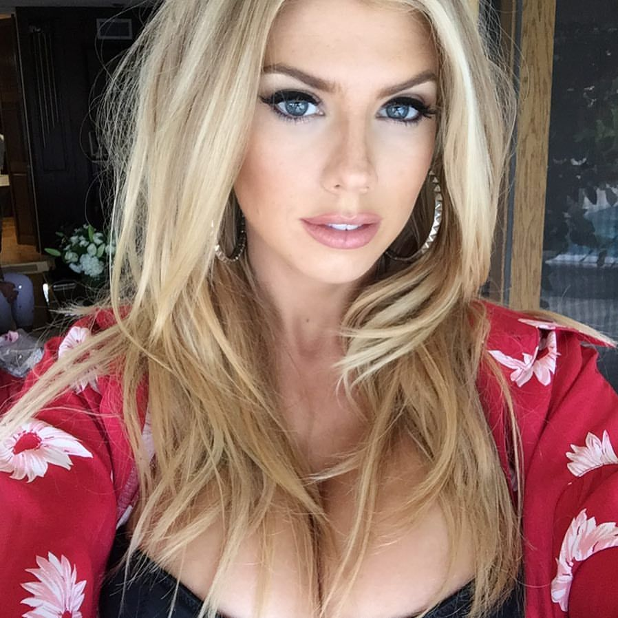 Charlotte-McKinney-Sexy-3-3