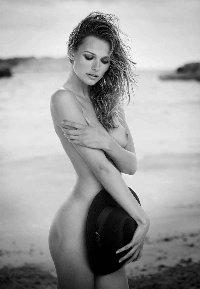 Edita-Vilkeviciute-Nude-Sexy-15