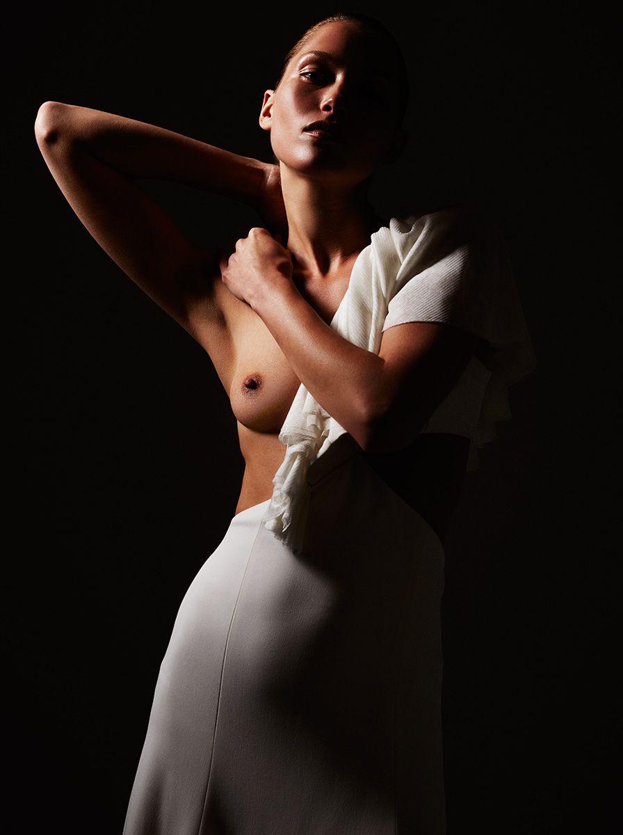 Hana-Jirickova-Topless-Sexy-22