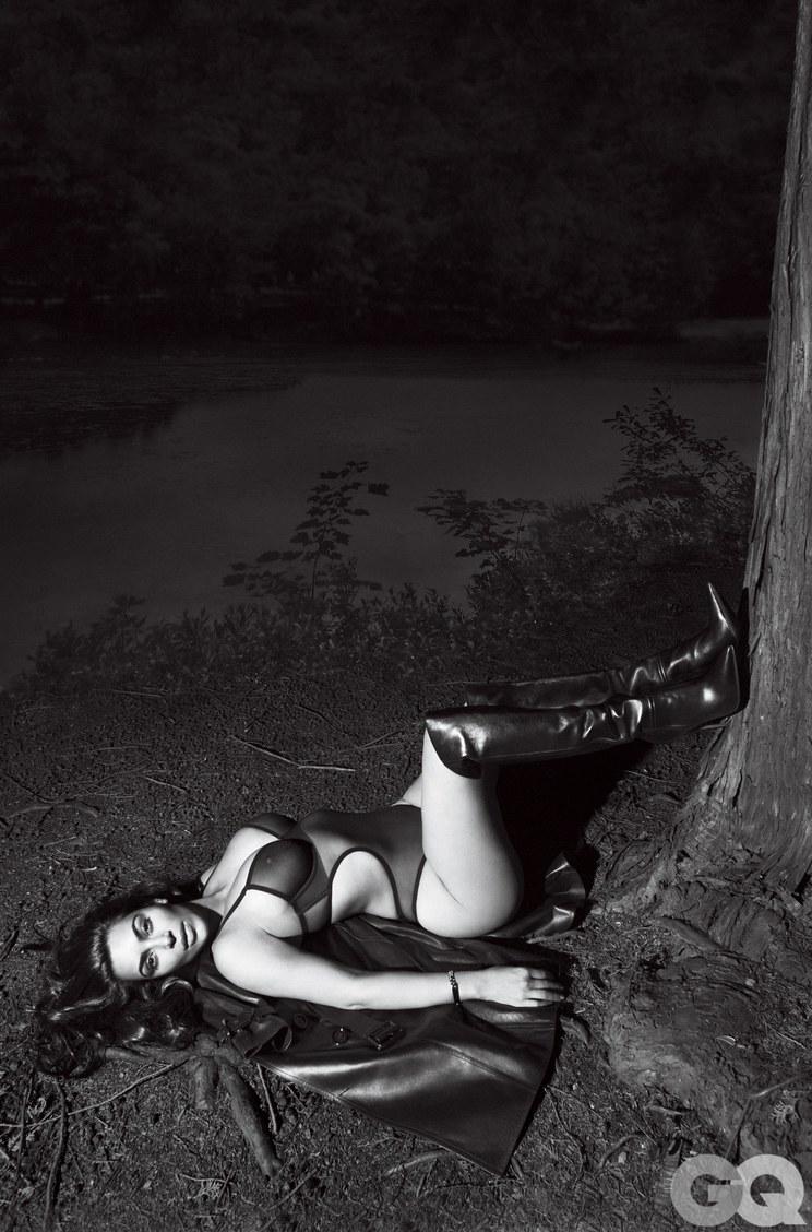 Kim-Kardashian-Sexy-2 (2)