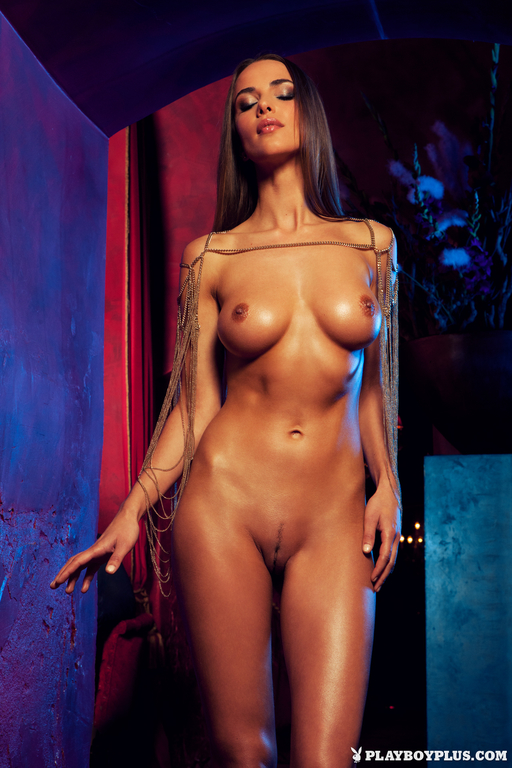 Lien-Biesheuvel-in-Playboy-Netherlands-273_full