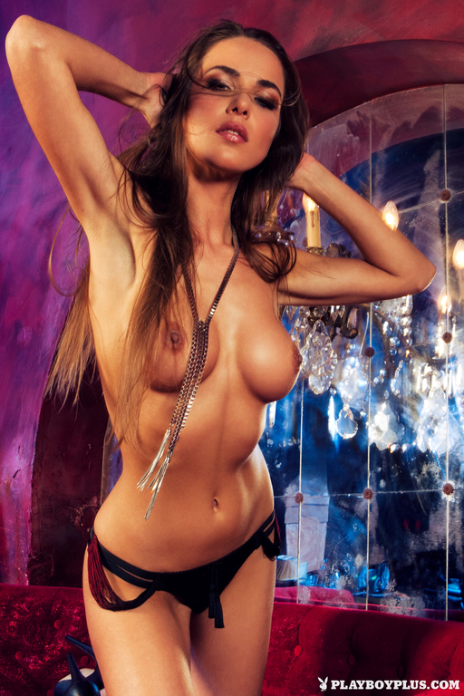 Lien-Biesheuvel-in-Playboy-Netherlands-274_full