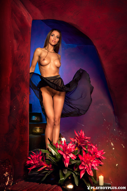 Lien-Biesheuvel-in-Playboy-Netherlands-276_full