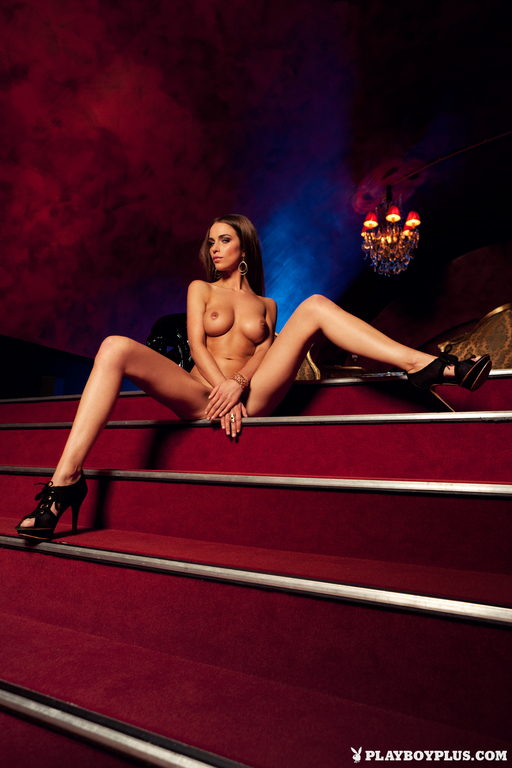 Lien-Biesheuvel-in-Playboy-Netherlands-277_full