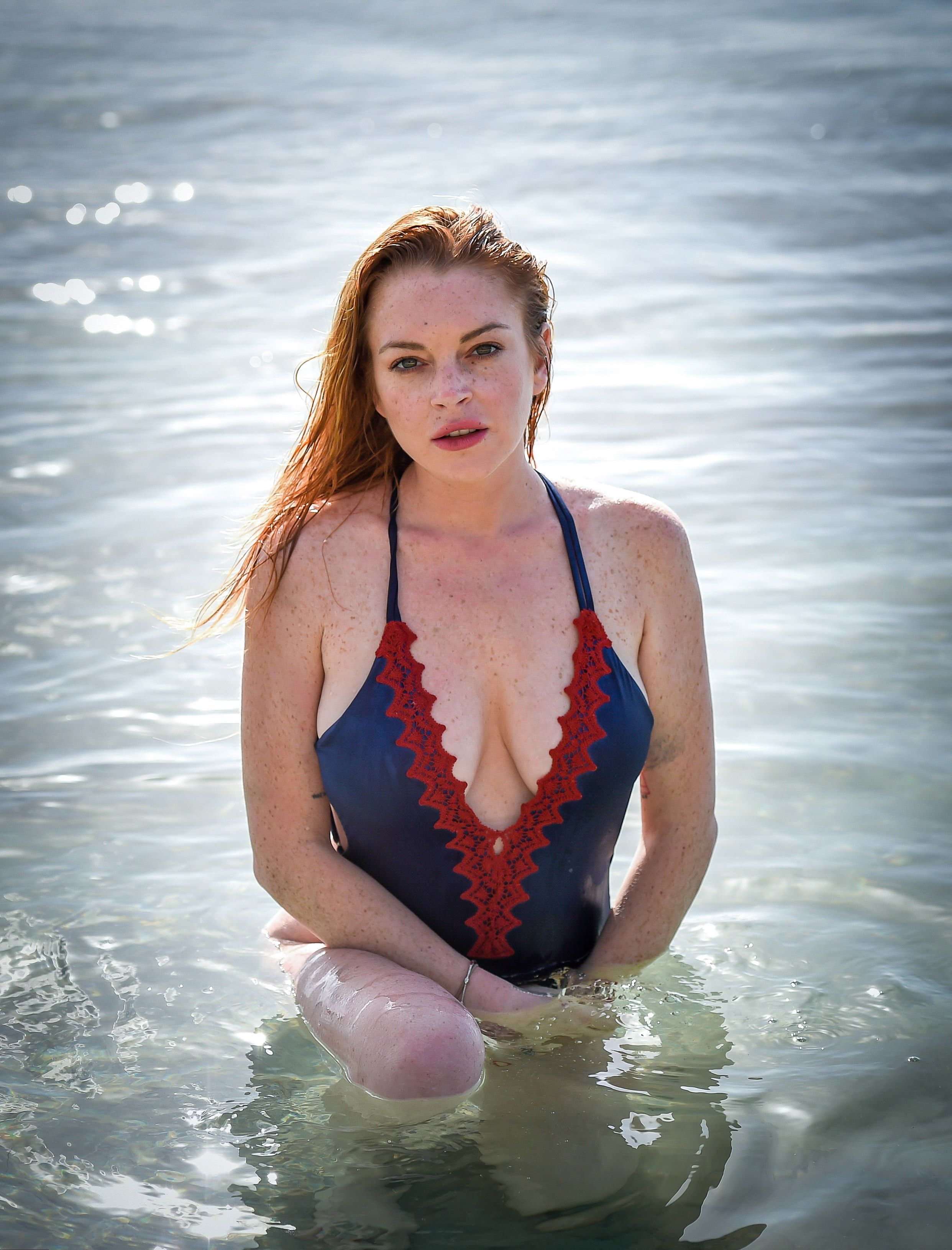 Lindsay-Lohan-in-a-Swimsuit-3