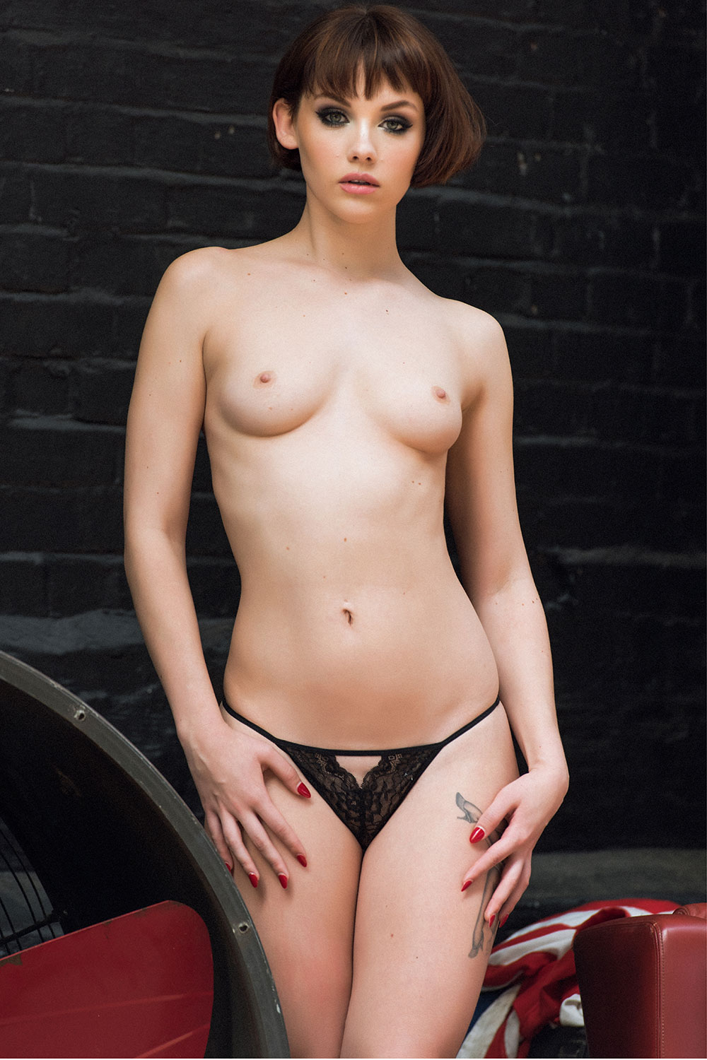 Mellisa-Clarke-Sexy-and-Topless-1