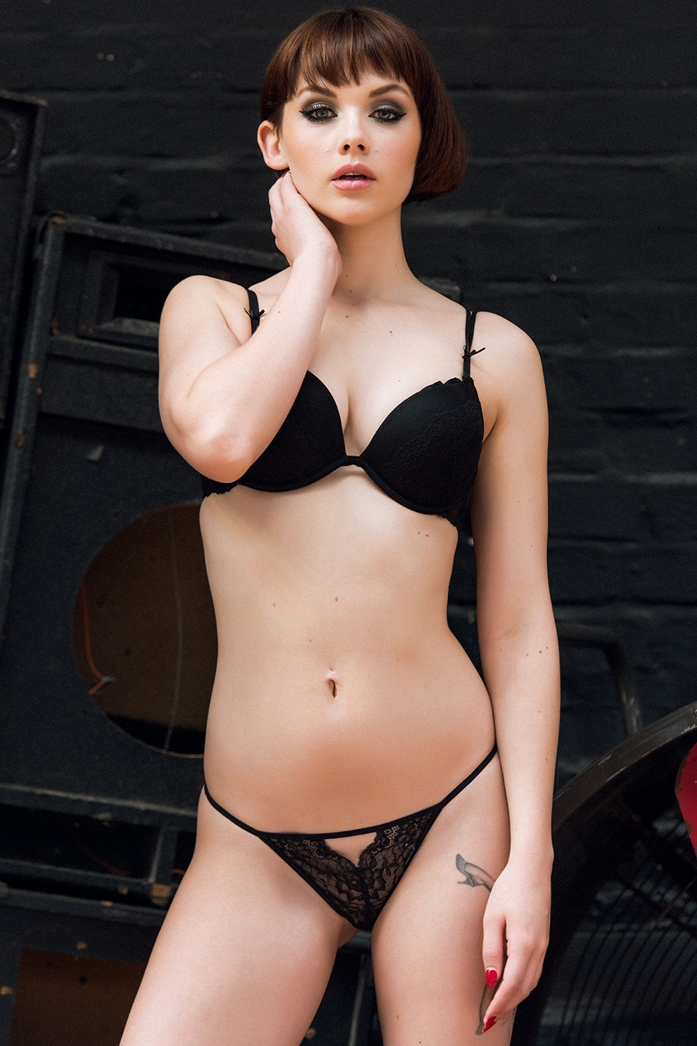Mellisa-Clarke-Sexy-and-Topless-4