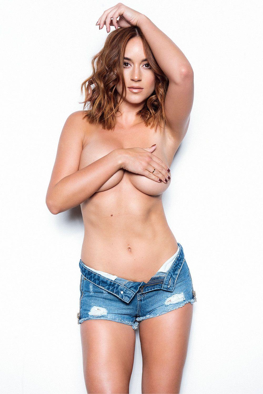 Rosie-Jones-Topless-4 (4)