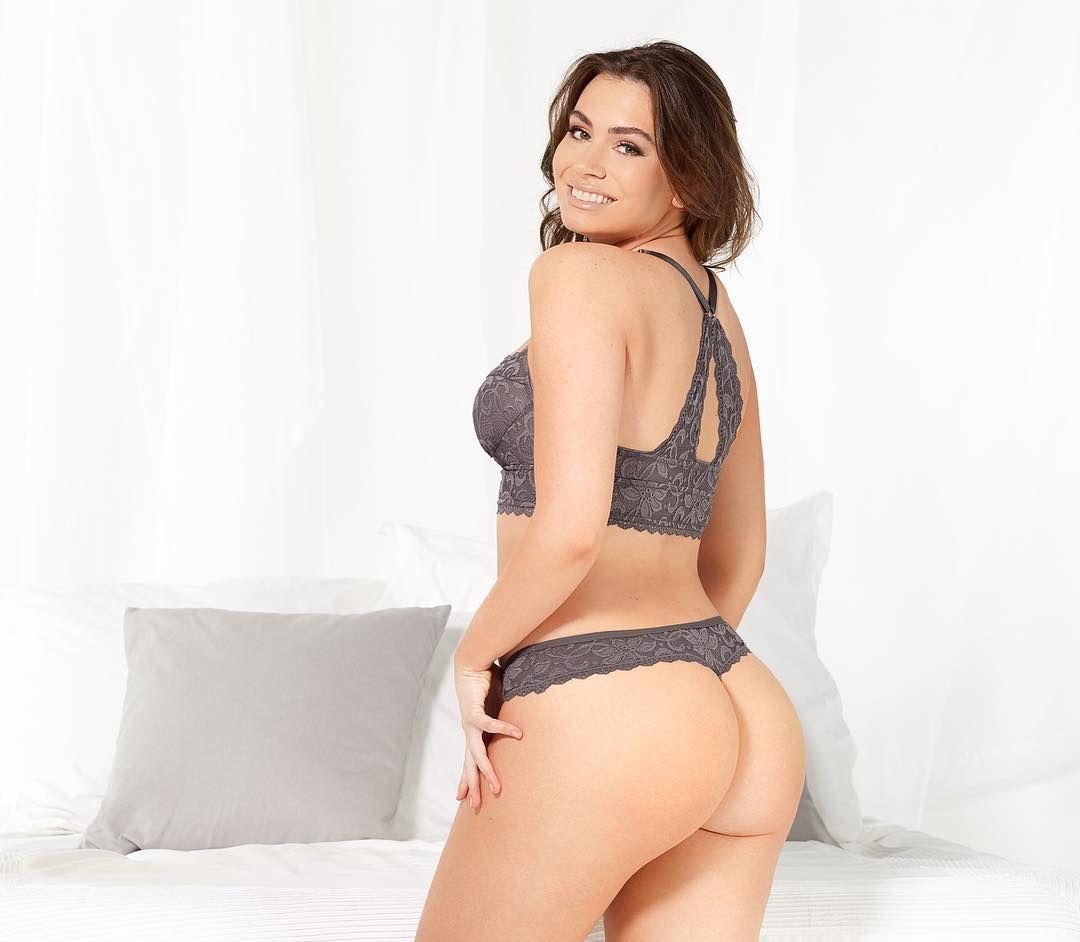 Is a cute Julia Restoin Roitfeld nude (47 foto and video), Pussy, Is a cute, Selfie, butt 2017